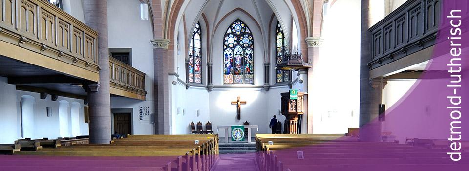 Kirchraum Gesamtansicht vom Eingang her